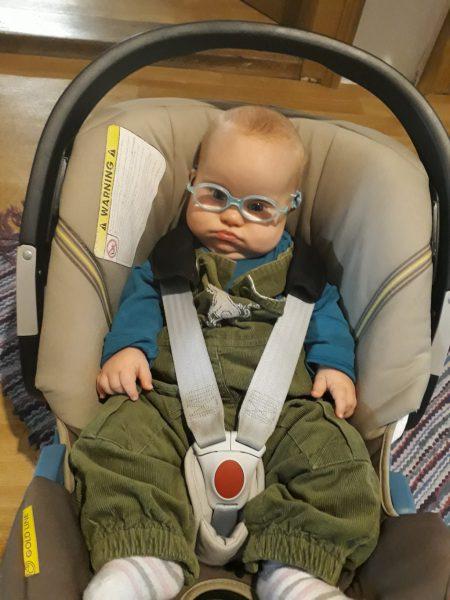 Ronja mit Brille
