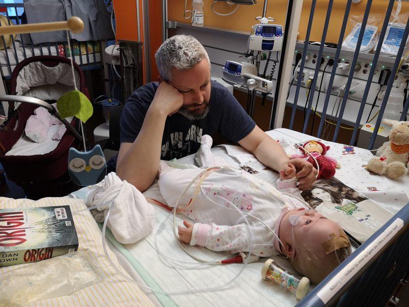 Matthias und Ronja in der Klinik